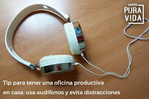 Sé productiva cuando trabajas desde casa. Usa audífonos para evitar distracciones.